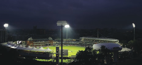 Telescopic floodlights use position sensors